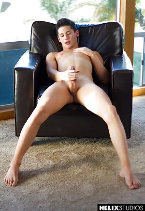 Gay Masturbating Pics